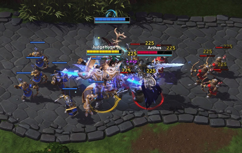 Screenshot d'Artanis dans Heroes of the Storm.