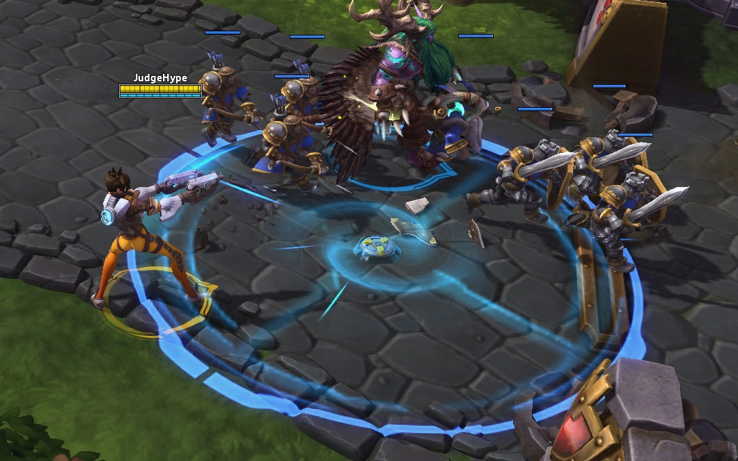 Screenshot de Tracer dans Heroes of the Storm.